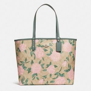 Coach F25874 Reversible City Tote Bag Camo Rose